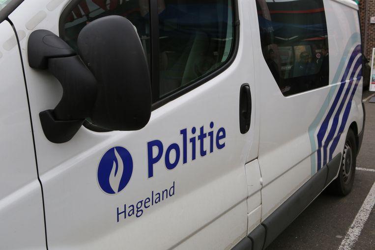 De bewoners vroegen de politie ter plaatse voor de nodige vaststellingen