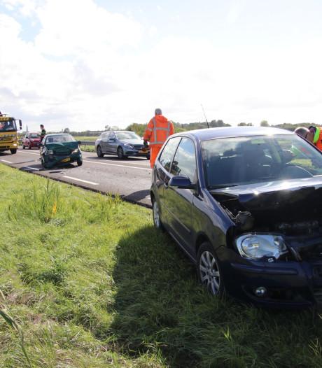 Automobilist gewond bij ongeval op N57 in Serooskerke