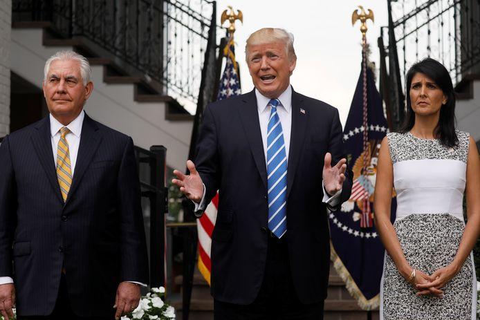 Tillers, Trump en Haley in Trumps golfresort in New Jersey.