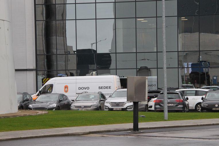 DOVO, de ontmijningsdienst van het leger, snelde maandag naar IVC in Avelgem.
