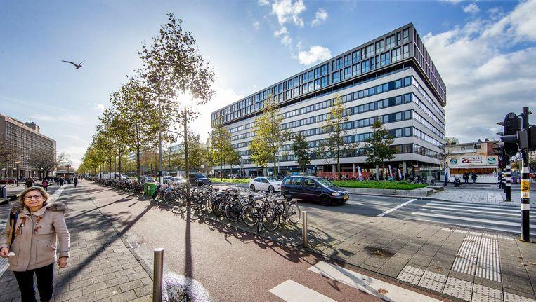 Toen het Bommerhuis in 1961 werd ingewijd was het het eerste forse gebouw in dit deel van de Wibautstraat. Beeld Jean-Pierre Jans