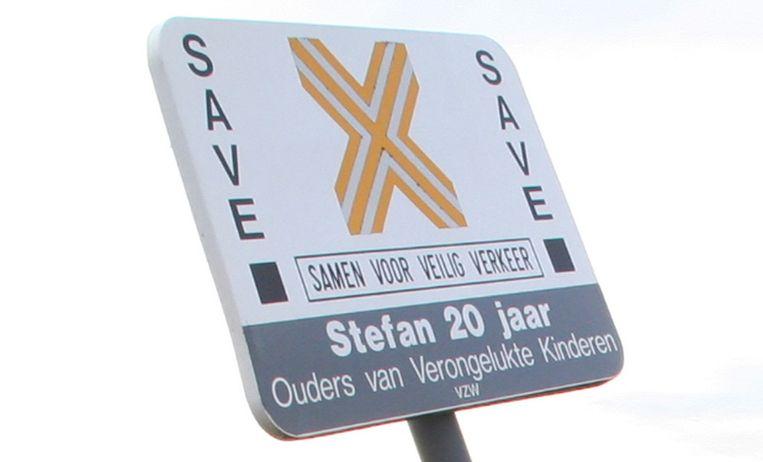 De gemeente Pepingen ondertekent het SAVE-charter van vzw Ouders van Verongelukte Kinderen.