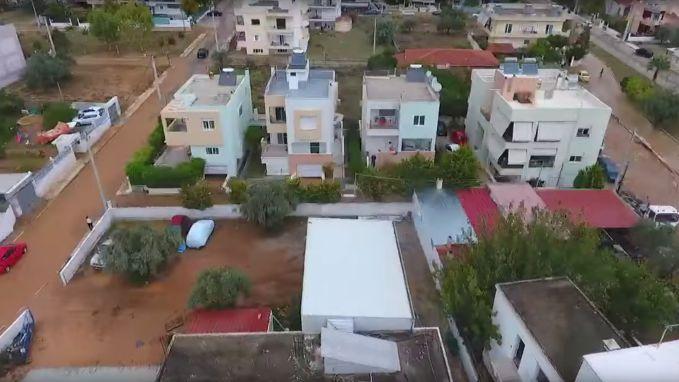 Overstromingen laten spoor van vernieling achter in Athene