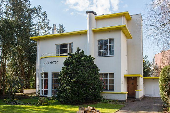 Voorzijde van villa Salve Viator aan de Burgemeester Kerstenslaan in Breda.  Foto's René Schotanus/Pix4Profs