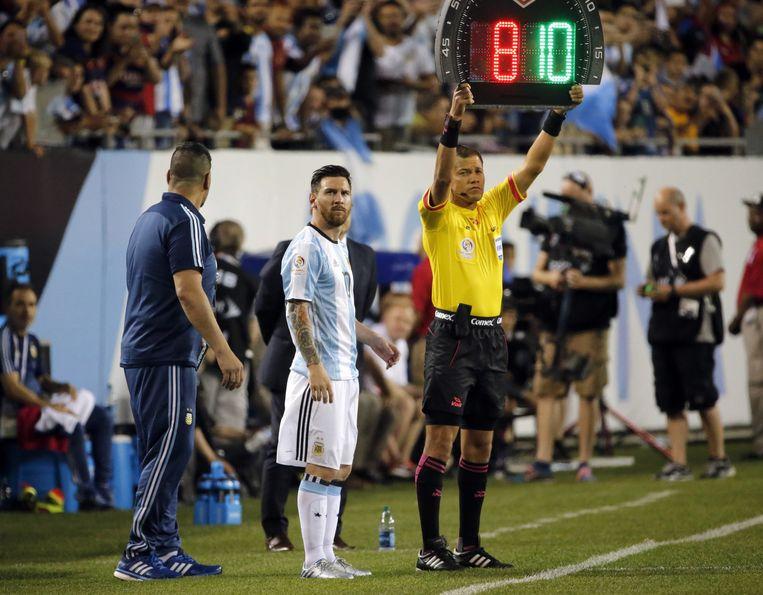 Messi valt in bij Argentinië. Beeld ap