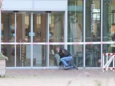 Verdacht pakketje in Veenendaal: bibliotheek ontruimd, EOD opgeroepen