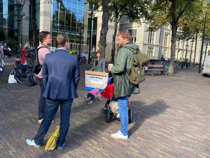 Actievoerder van DeGoedeZaak op het Plein in Den Haag.