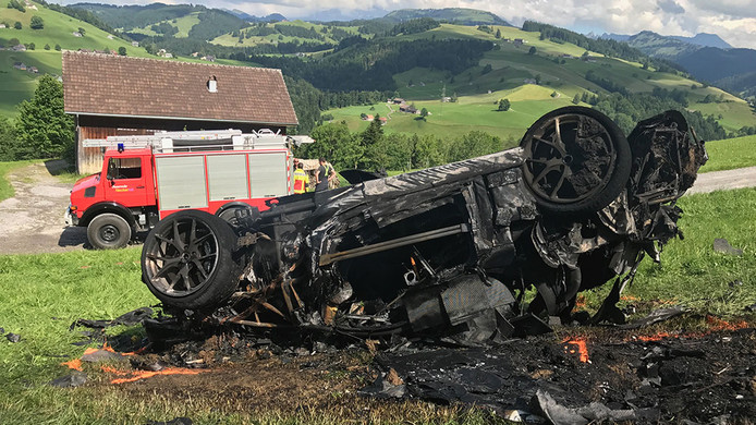 De Rimac waarmee Richard Hammond over de kop sloeg, brandde geheel uit.