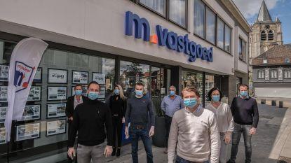 """Kortrijkse vastgoedmakelaars verwachten geen crash van immomarkt: """"Piek van scheidingen op komst"""""""
