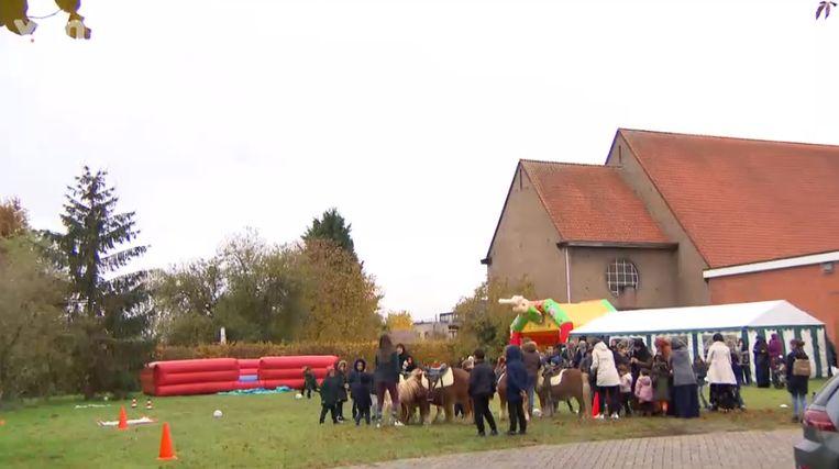 In Sint-Katelijne-Waver vond vandaag een 'Muslim Kids Day' plaats, een animatiedag voor moslima's en hun kinderen met pannenkoeken, pony's en workshops.