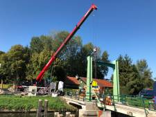 Balansbrug bij Hoorn weer bijna compleet