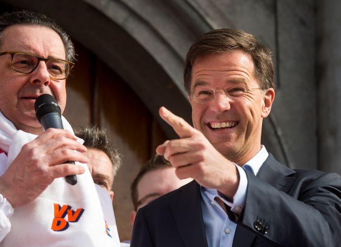 In verkiezingscampagnes beloofde VVD-lijsttrekker Mark Rutte juist minder regels.