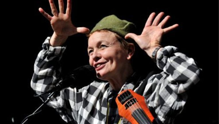 Laurie Anderson brengt in Sydney 'Music for Dogs'. ANP Beeld