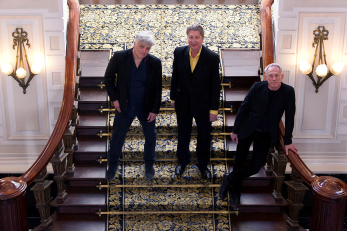 Robert Jan Stips (toetsen), Henk Hofstede (zang/gitaar) en Rob Kloet (drums).
