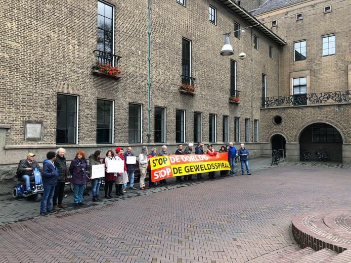 Protestactie tegen de Turkse aanval in Syrië op het Ei van Ko in Enschede