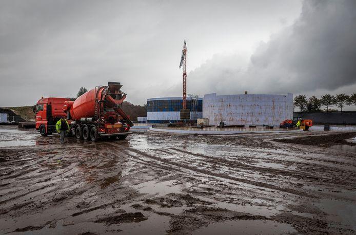 Op het terrein in Sterksel is momenteel een mestvergistingsinstallatie in aanbouw.