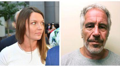 200 dollar voor een massage: hoe de 14-jarige Courtney in het web van Epstein verstrikt raakte