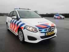 Politie in Oost-Nederland klaagt over nieuwe Mercedes: 'Te krap en te lage bodem'