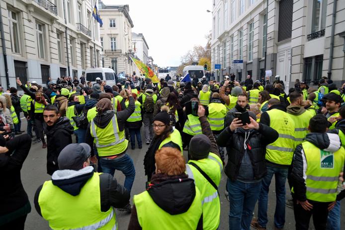 Na Frankrijk zijn ook in België demonstranten in gele hesjes de straat op gegaan. Zaterdag volgt Nijmegen.
