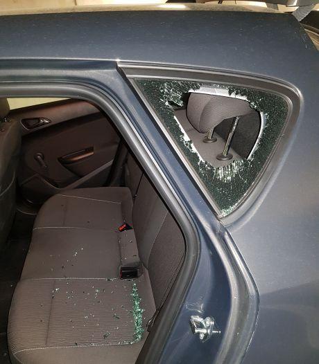 Golf aan auto-inbraken in Eindhoven: dief weet in welke kofferbak een laptop ligt