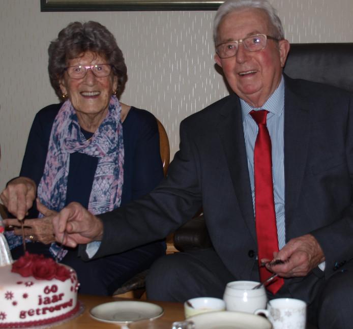 Riet de Bruijn (85) en Cor Driessen (86)