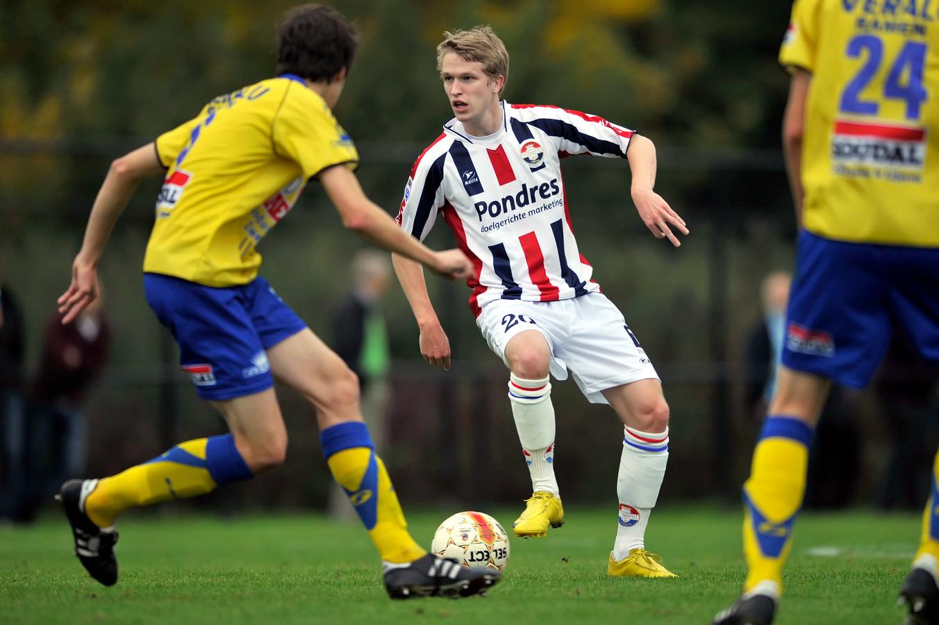 Jasper Waalkens als speler van Willem II in een oefenwedstrijd tegen Westerlo.