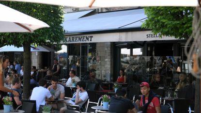 Het wordt stil in Café Karément