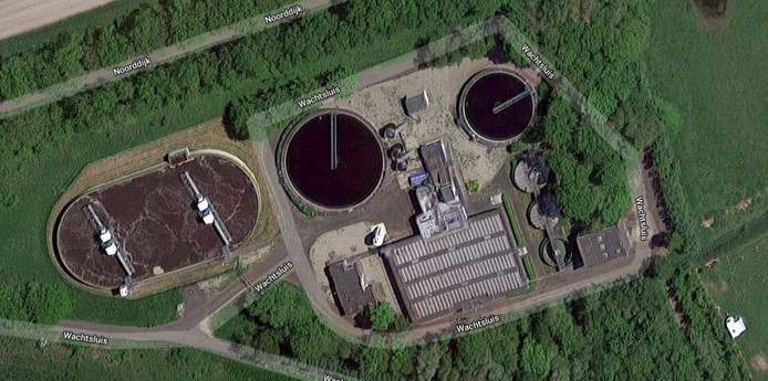 De rioolwaterzuivering bij Retranchement, gezien vanuit de lucht.