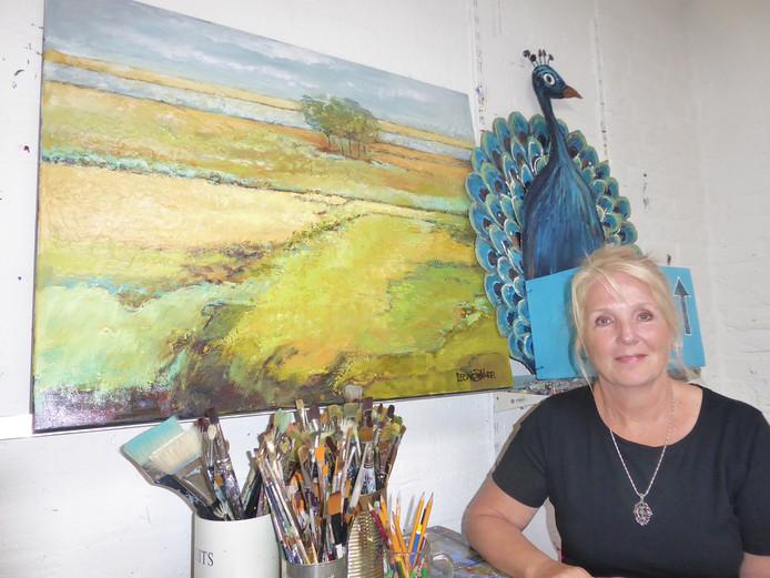 Leonie Dekker schildert al jaren, liefst landschappen met acrylverf.
