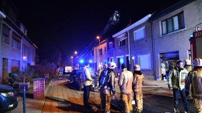 Moeder en twee kinderen in levensgevaar door CO-intoxicatie na brand in woning