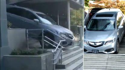 Zeg niet te gauw ... vrouw rijdt trappen van Sheraton af in Vancouver