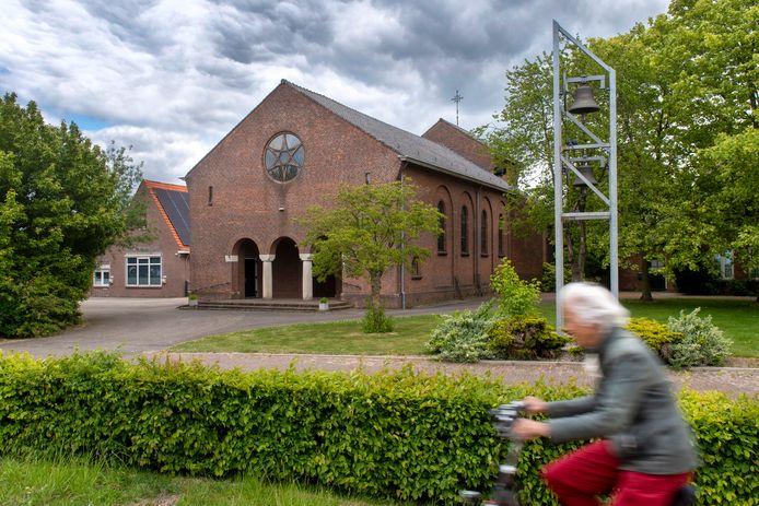 Het katholieke kerkje van het Randwijkse buurtschap Indoornik, na augustus geen Godshuis meer.