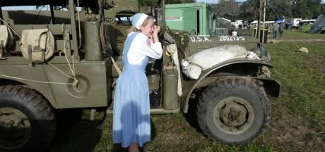 Legerdorp in basecamp Schijndel komt tot leven: duizenden bezoekers vergapen zich aan oorlogsmaterieel