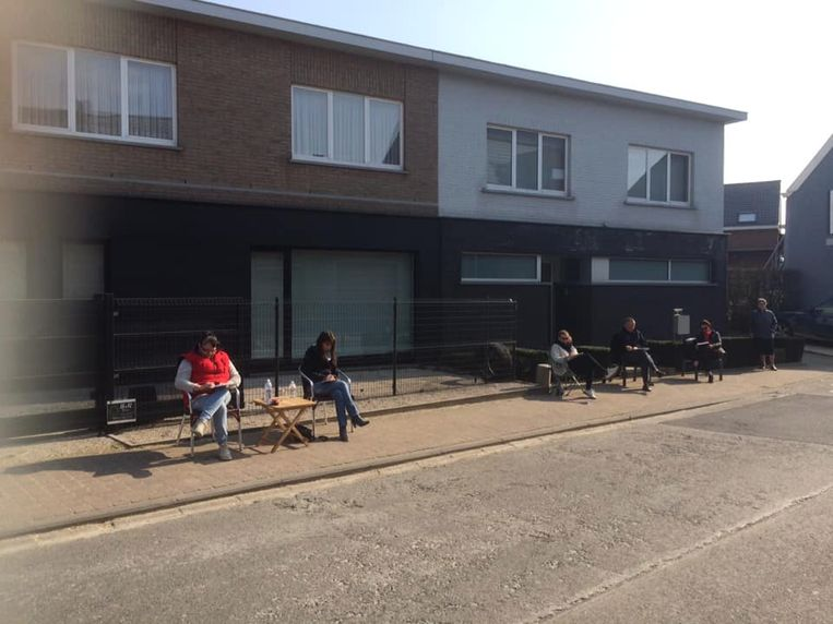 Aan de 'straat-bingo' namen 18 buren van Aaigemdorp deel.
