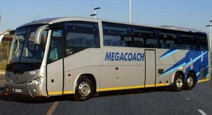 De Nederlanders zaten in net zo'n bus als deze van Mega Coach, een van de toonaangevende touringcarbedrijven in Zuid-Afrika.