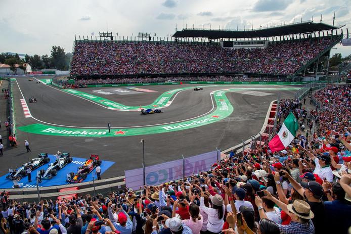 Gp van mexico kan gewoon doorgaan geen schade aan f1 for Puerta 2 autodromo hermanos rodriguez