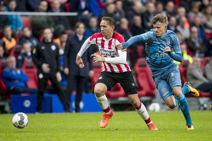Luuk de Jong was dit seizoen nog niet op schot, toch maakte PSV de meeste goals in de eredivisie tot nu toe .