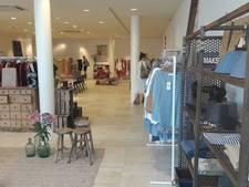Pop-up winkel van kledingmerk By Bar en Meubelatelier in pand Achter het Verguld Harnas