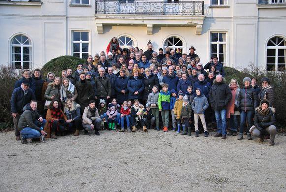 op de foto in de tuin van het kasteel de Gerlache