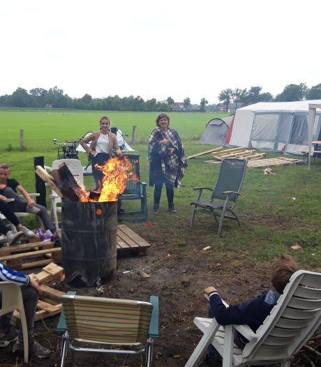 Jeugd Tubbergen kampeert 'coronaproof':  handgel in tent, eigen bekers en zakken chips