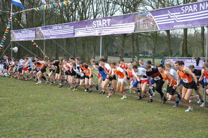 De start van de NK Cross in 2011 in Nijverdal.