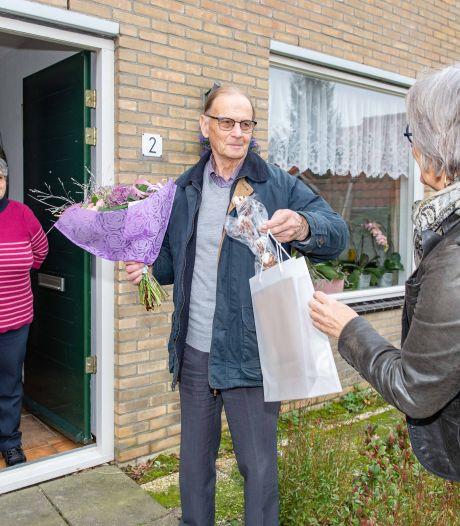 Wim (81) bezorgt al 25 jaar warme maaltijden: 'Je bent vaak de enige die ze zien op een dag'