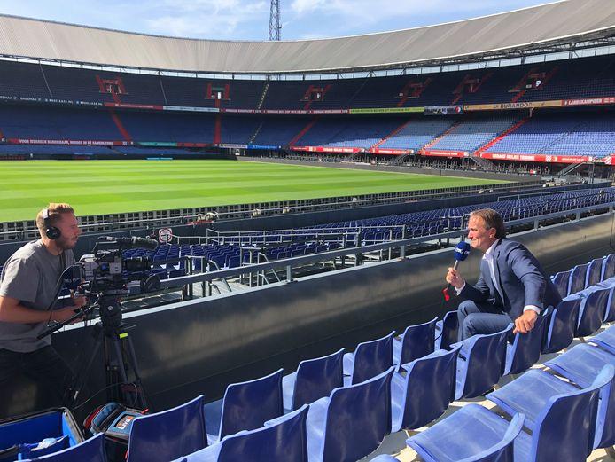 Feyenoorddirecteur Mark Koevermans geeft een interview.