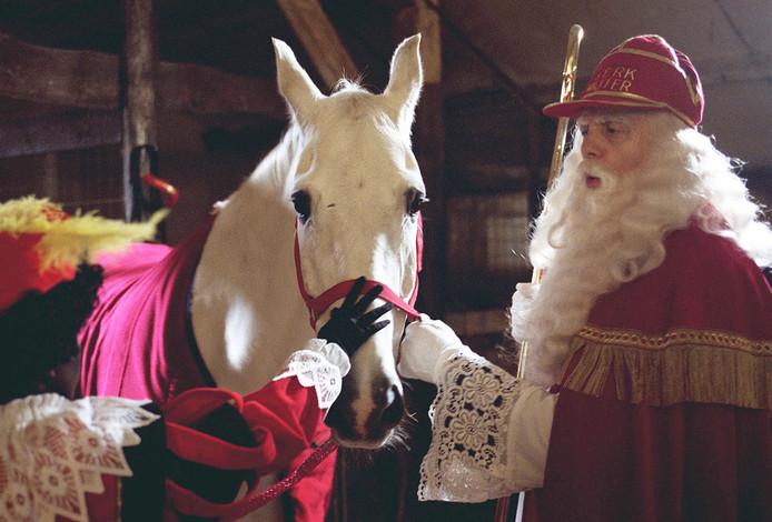 Amerigo en Sinterklaas zijn dikke vrienden.