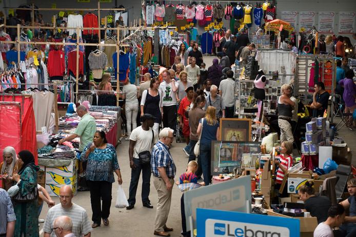 De eerste dag van de Utrechtse Bazaar, eind 2012, op de nieuwe locatie aan de Groenewoudsedijk in Papendorp.
