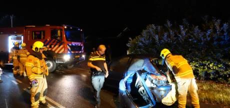 Ravage na frontale botsing op Wesselseweg in Barneveld