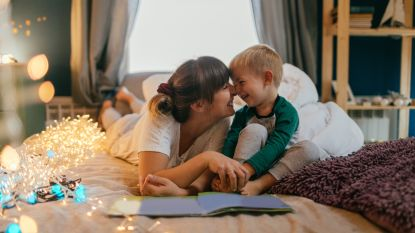 Waarom dat kwartiertje voorlezen voor het slapengaan wonderen verricht voor ouders én kinderen