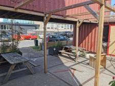 Vandalen blijven lunchplek op Roombeek in Enschede vernielen: 'Ik ben er helemaal klaar mee'