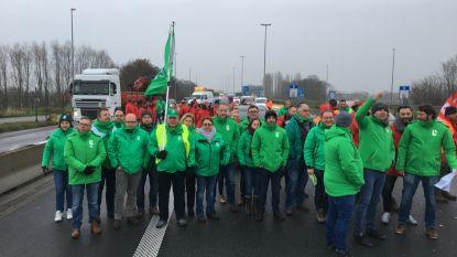 Transportbonden blokkeren tijdlang E17 uit protest tegen versoepeling rij- en rusttijden