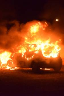 Lees hier alles over de autobranden in Waddinxveen